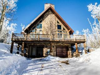 Upscale and spacious cabin for 8 close to slopes & trails - Brian Head vacation rentals