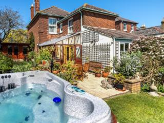 Green Bank with Hot Tub - Cowes vacation rentals