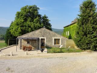 Gîte de caractère au coeur du Luberon - Reillanne vacation rentals