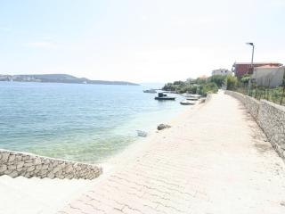 Apartment for 10 people 10 meters from the sea - Seget Donji-Vranjic vacation rentals