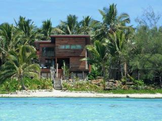 Kaireva Beach House and Wedding Venue - Ngatangiia vacation rentals