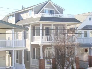 Upscale 2nd floor condo - Ocean City vacation rentals