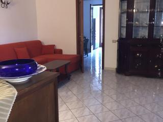 Case vacanze Papiro - appartamento magnolia - Canneto di Lipari vacation rentals