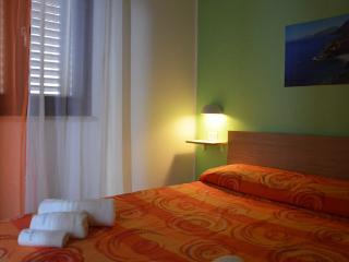 """Alloggio """"Zingaro"""" (2 pax) Casa del Porto - Castellammare del Golfo vacation rentals"""