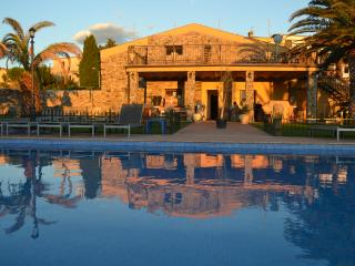 Child Friendly villa with private pool and parking - Figueres vacation rentals