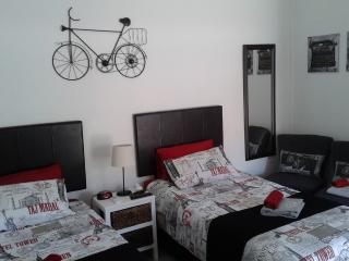 Nice 1 bedroom Condo in East London - East London vacation rentals