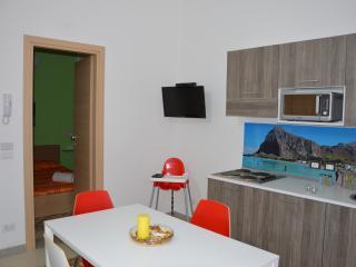 """Alloggio """"San Vito"""" (2 pax) Casa del Porto - Castellammare del Golfo vacation rentals"""