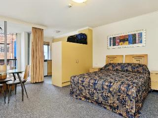 Nice Studio with A/C and Shared Outdoor Pool - Newtown vacation rentals