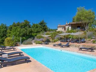 Beautiful House with Fireplace and Shared Outdoor Pool in Perugia - Perugia vacation rentals