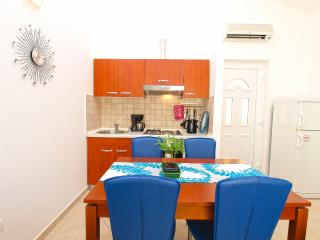 Nice Condo with Internet Access and A/C - Banjole vacation rentals