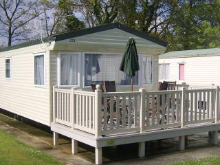 Comfortable Caravan/mobile home with Internet Access and Television - New Milton vacation rentals