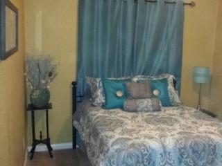 Villas at Woodlawn Lake Furnished 1 bdrm - San Antonio vacation rentals