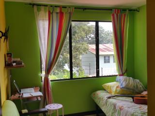Quiet 3 Bedroom, 2.5 BR Home 10 Minutes to Airport - Alajuela vacation rentals