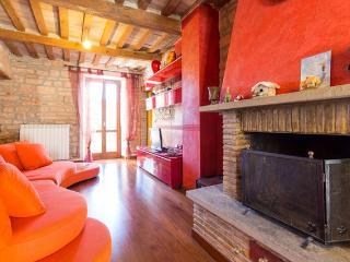 appartamento nel parco del Montecucco - Fossato di Vico vacation rentals