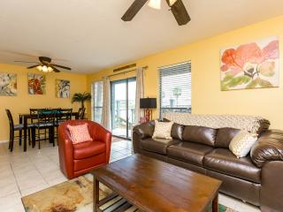 Comfortable Condo with Television and DVD Player - Corpus Christi vacation rentals