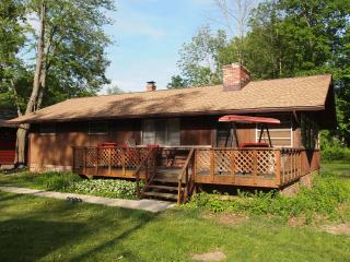 Comfortable 3 Bedroom With Lake Access, Convenient - Chippewa Lake vacation rentals