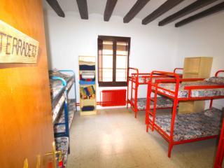 Alberg de Talarn - Terradets - Group Room (10 adults) - Talarn vacation rentals