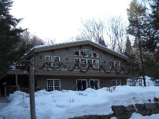 Mountain view - 5 bedroom +, hot tub - Mont Tremblant vacation rentals