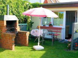 Vacation Bungalow in Stralsund - 248 sqft,   (# 3858) - Stralsund vacation rentals