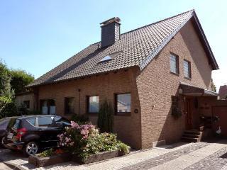 Vacation House in Meerbusch - 915 sqft, central, active, comfortable, free using of WiFi (# 9268) - Meerbusch vacation rentals