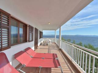 Beautiful 2 bedroom Solta Condo with Internet Access - Solta vacation rentals