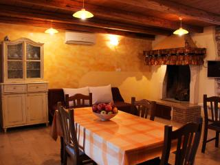 Beautiful 2 bedroom Villa in Muntic with Internet Access - Muntic vacation rentals