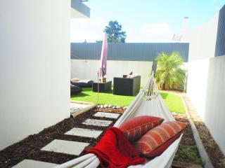 FAMILY BEACH, GOLF & LISBON VILLA - Charneca da Caparica vacation rentals
