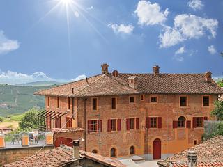 Villa Pesce-luxurious Apartt. Brachetto with Pool - Mombaruzzo vacation rentals