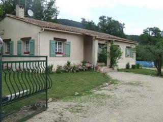 Villa T2 au calme sur terrain de 3000m² - Seillans vacation rentals