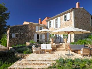 Lovely Villa with Internet Access and DVD Player - Oppedette vacation rentals