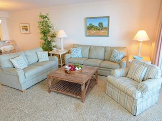 2 bedroom Condo with Shared Outdoor Pool in Fort Myers - Fort Myers vacation rentals
