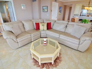2 bedroom Condo with Hot Tub in Fort Myers - Fort Myers vacation rentals
