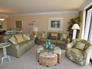 Charming 2 bedroom Condo in Fort Myers with Shared Outdoor Pool - Fort Myers vacation rentals