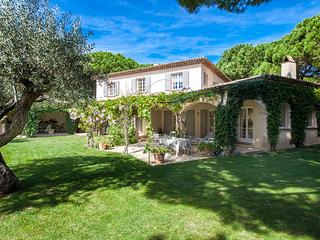 Great St Tropez Vacation Rental, 5 Minute Walk to Les Moulins - ACV CAS - Saint-Tropez vacation rentals