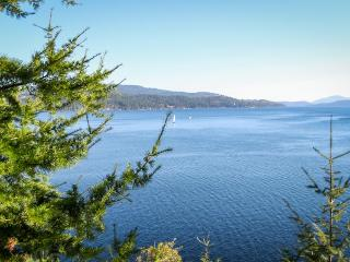 Lakefront retreat w/ magnificent views, secluded bay, & private hot tub! - Harrison vacation rentals