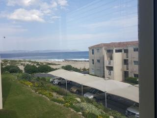 Hermanus Beach Club 165, Whale Coast Capital, RSA - Hermanus vacation rentals