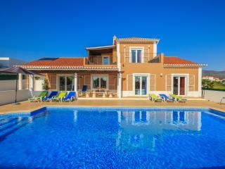 villa in Quelfes - Quelfes vacation rentals