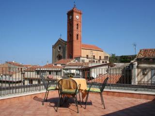 Bright 2 bedroom Castelbuono House with Internet Access - Castelbuono vacation rentals