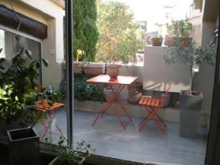 Holiday rental 2 bedroom apartment Aix En Provence (Bouches-du-Rhône), 90 m² - Aix-en-Provence vacation rentals