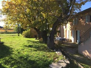 Holiday rental French farmhouses / Country houses Venelles (Bouches-du-Rhône), 250 m², 2 990 € - Venelles vacation rentals