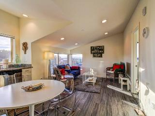 Stylish urban condo w/fantastic cityscape views, 1 dog OK! - Seattle vacation rentals