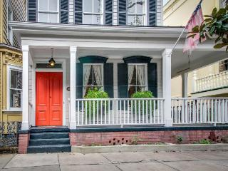 Historic home w/ gourmet kitchen, large porch & courtyard! - Savannah vacation rentals