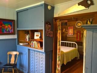 Private Folk Art Honky Tonk Rental Near Lafayette - Lafayette vacation rentals