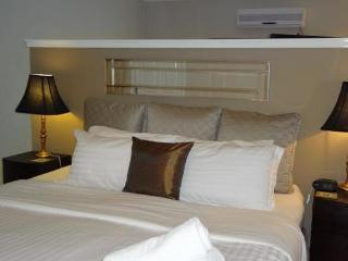 Carlyle House - Garden Suite 2 - Rutherglen vacation rentals