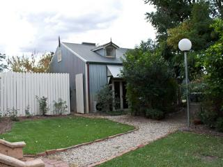 Carlyle House - Garden Suite 1 - Rutherglen vacation rentals