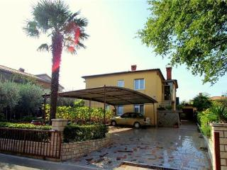 3 bedroom Apartment with Tennis Court in Umag - Umag vacation rentals