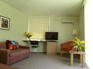 Deluxe 1 Bedroom Apartment Double - 2 - Melbourne vacation rentals