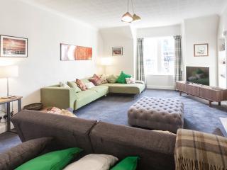 Beautiful flat, perfect location - Edinburgh vacation rentals