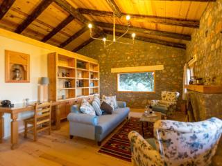 Wolf Trail Cottage, Bayir Village - Selimiye vacation rentals