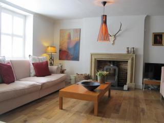 Stylish Georgian 5 bed house in centre + parking - Burnham Market vacation rentals